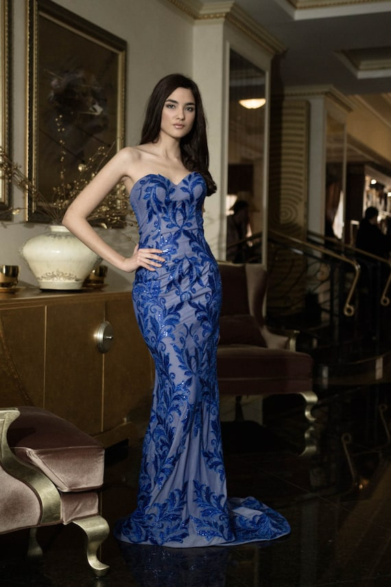 Königsblau Abend Kleid mit Blumen, lange romantisches Kleid, lange Abendkleid in blau, lange formelle Kleidung, besonderen Anlass Frauen Kleider