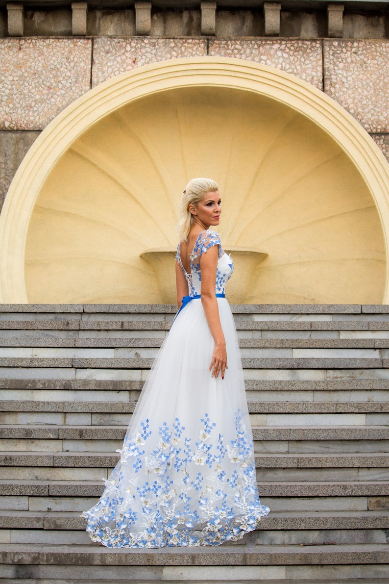 fd056c11a75 White and Blue Wedding dress Color wedding dress with