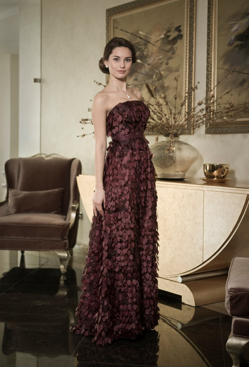Classy evening gown with leafs Dark purple mother of the image 0
