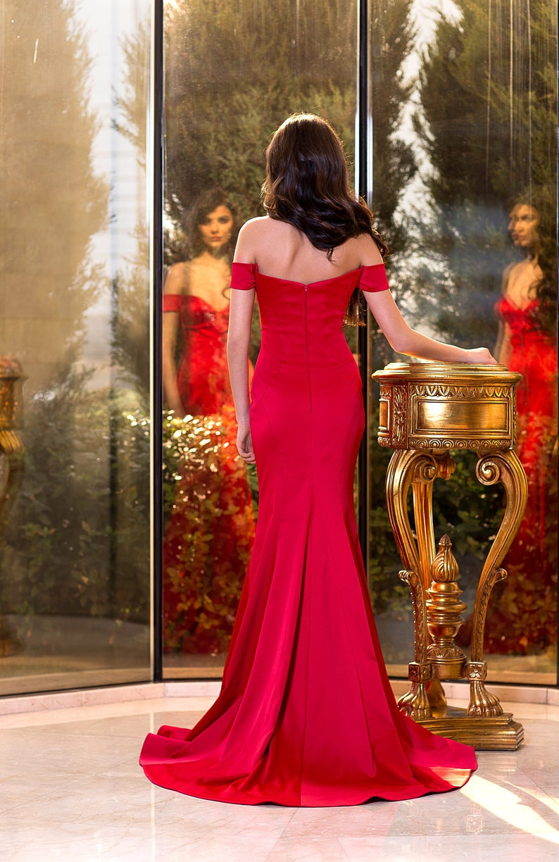 Red elegant prom dress in High fashion Red satin formal cocktail dress occasion sleeveless dress Couture or Bridesmaid dress