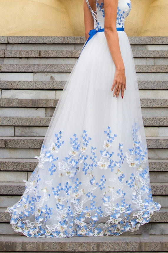 White and Blue Wedding dress, Color wedding