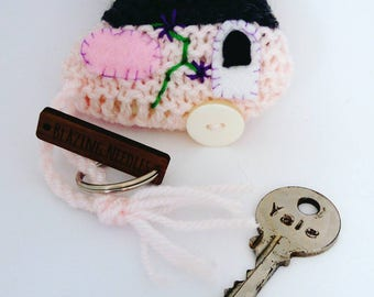 Knitted caravan keyring; caravan keyring;  caravan keychain; caravan gift; caravan present, keyring for her