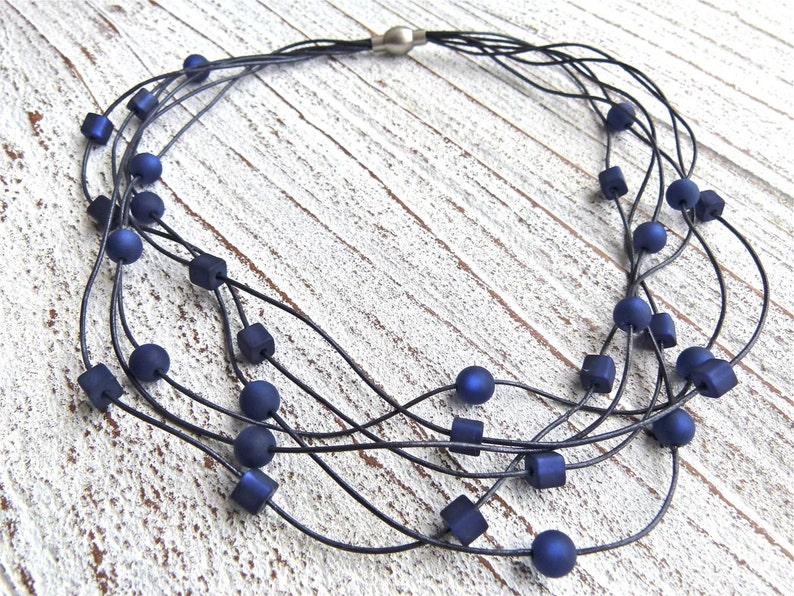 Necklace leather blue with Polaris beads