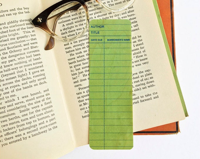 Green Library Book Card design-  Wooden Maple Bookmark- Eco Friendly - Bookworm Gift - Gifts for Book Lovers - Biblioteque - Bibliphile