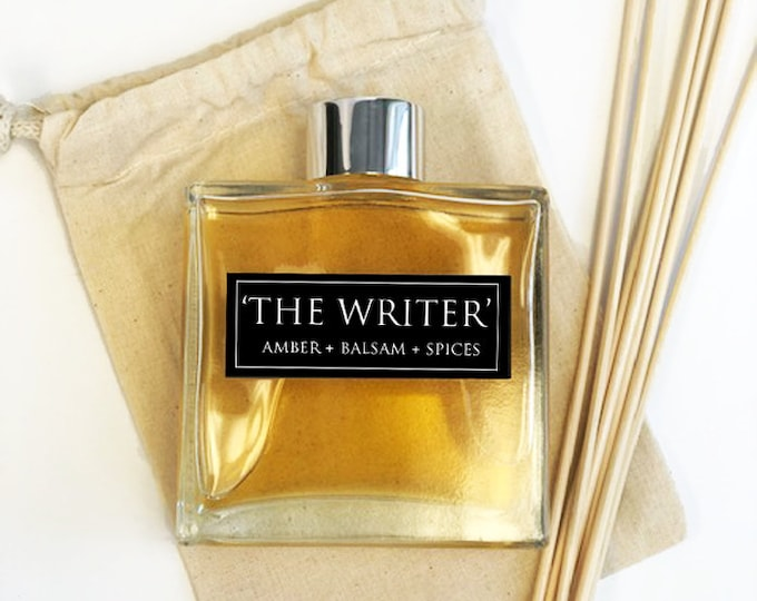 The Writer - 7oz Essential Oil Diffuser Set - Amber + Balsam + Spices  - Book Lover Gifts - Bibliophile Gifts - Room Decor - Frangrance