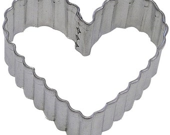 Fluted Medium Heart 3.5'' Cookie Cutter