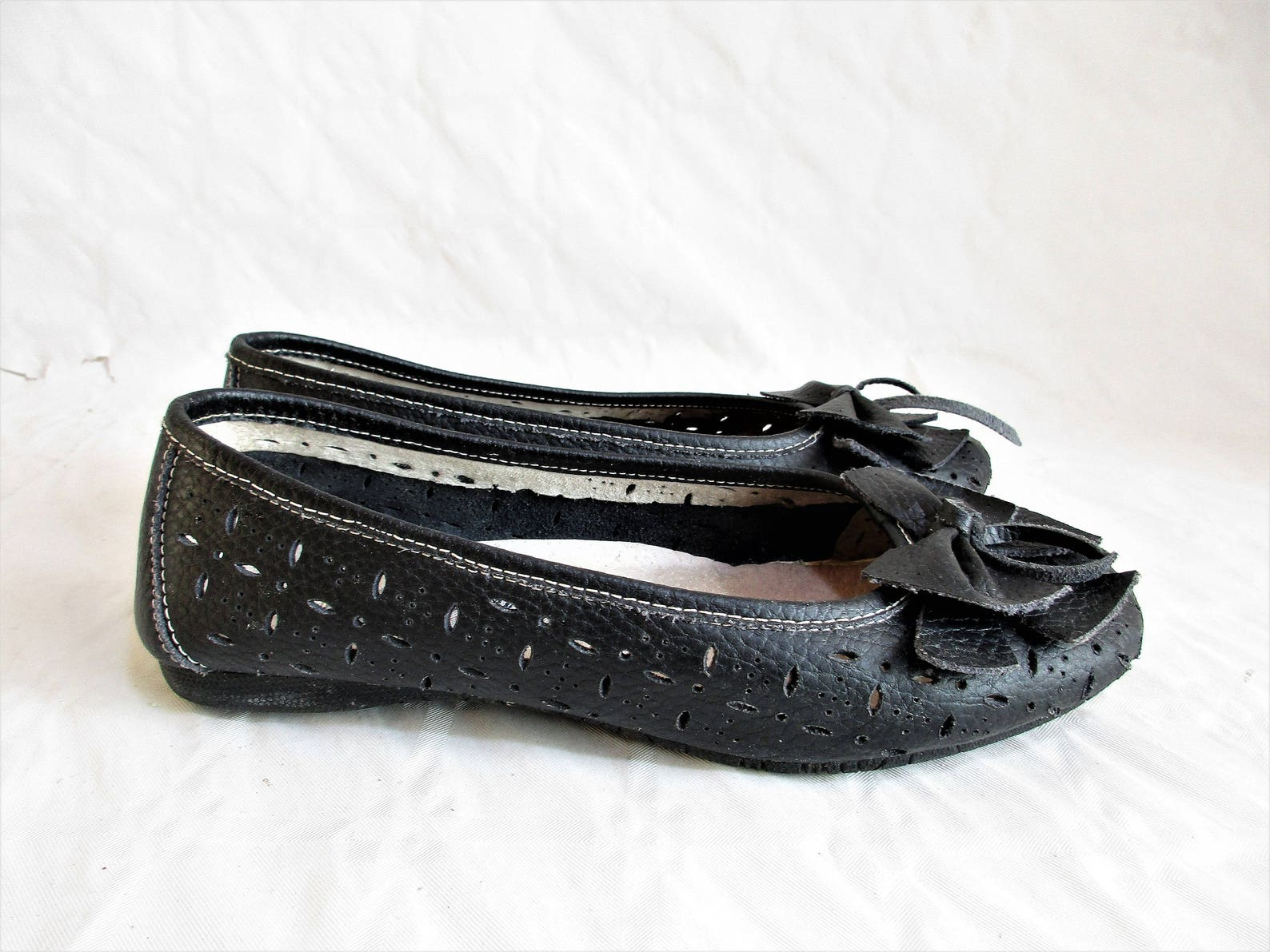 vintage italian perforated charcoal leather ballet flats with ribbon embellishment , size : eu 37 / us women's 6 1/2