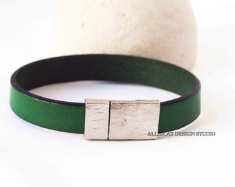 Bohemian Bracelet, Boho Silver Green Leather Cuff Bracelet (6.5 inches) | NEW