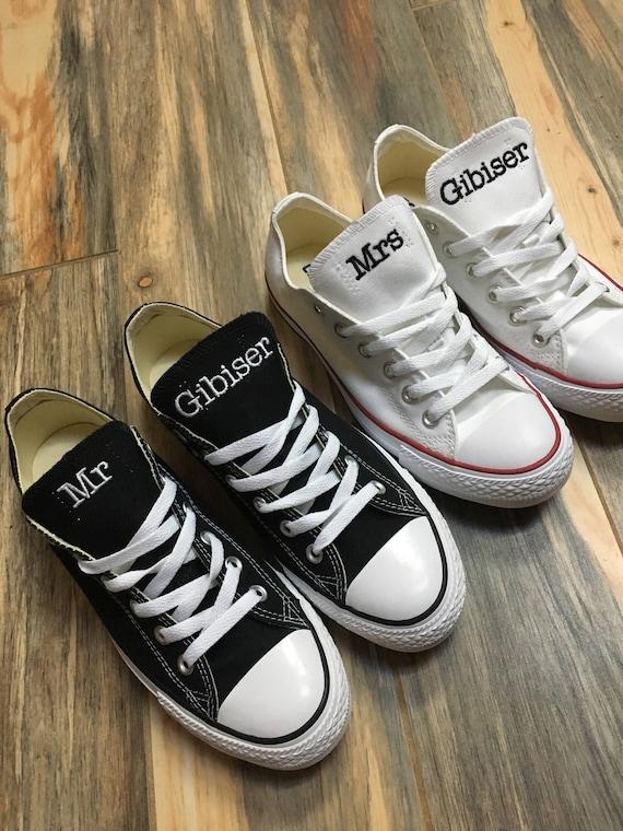 Chaussures de mariée, mariage brodé Converse baskets. Marié baskets, chaussures de mariée soirée, Converse décoré (bas en haut)