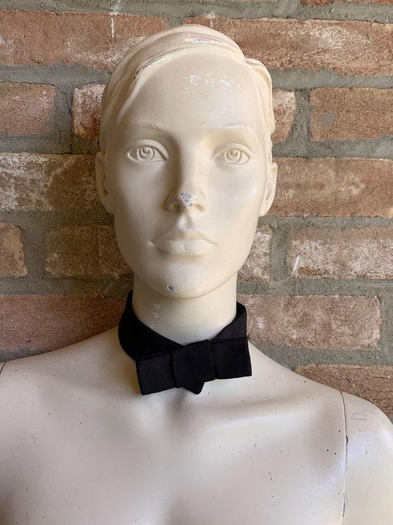 gucci women bow, silk bow, black bow, tie bow