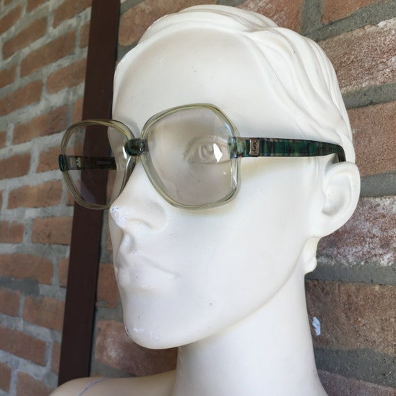 YSL ,  Yves Saint Laurent  vintage sunglasses, lig