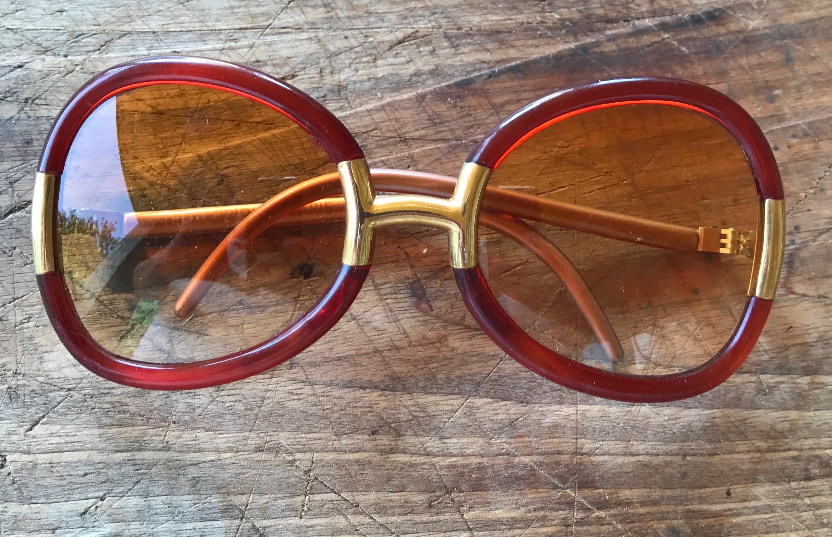 Gafas de sol Ted Lapidus rojo de gran tamaño vintage era