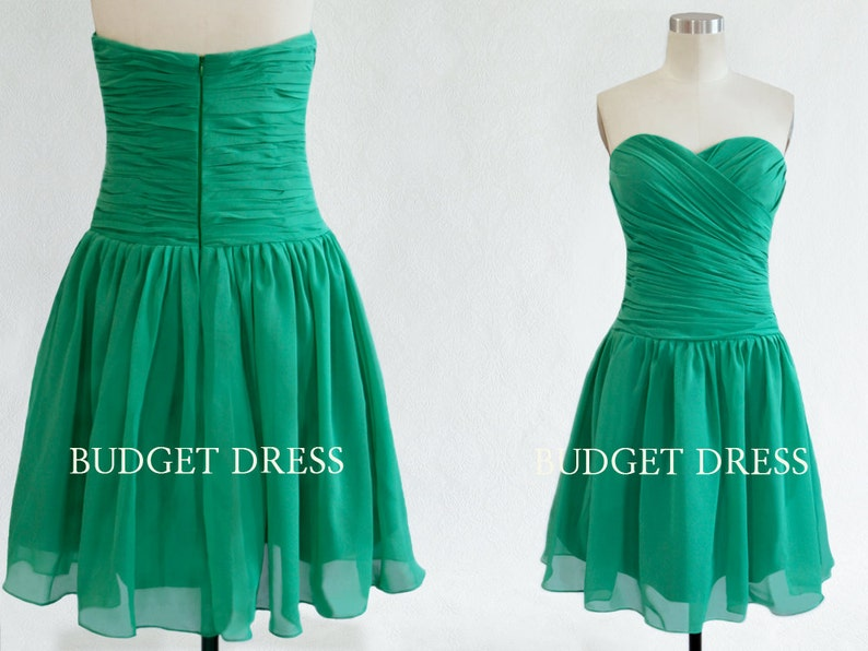 f8f0198a2f8 Short Green Bridesmaid Dress with Sweetheart Neckline Chiffon