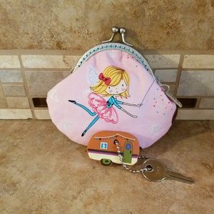 Small Fabric Coin Purse with Whale Print /& Kiss Clasp