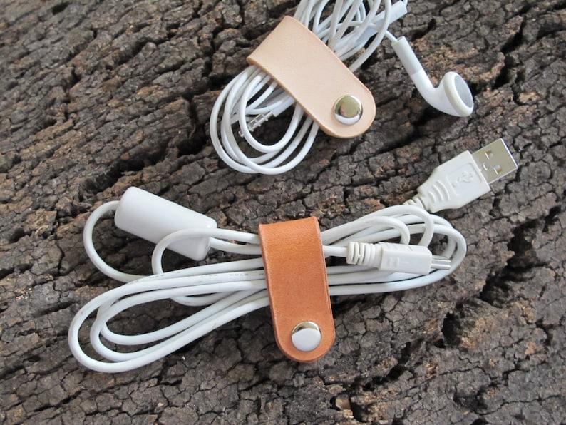 Vegetable Tanned Leather Cord Catch Cable Winder Headphones image 0