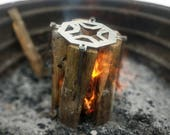 Minne-Swedish Torch - Lightweight Campfire Log Grill - Stainless Steel