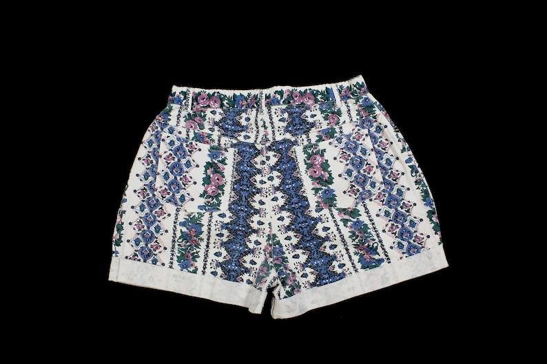 Sz 13 Vintage Women/'s Floral Denim Shorts..