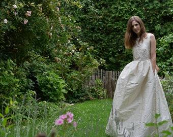 "SAMPLE SALE Bridal dress ""Sandra"", Size M"