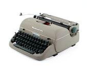 Vintage Typewriter, Remin...