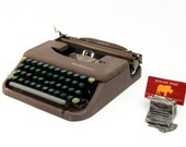 Working Vintage Typewrite...