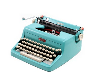 Vintage typewriter, Royal Quiet De Luxe, turquoise