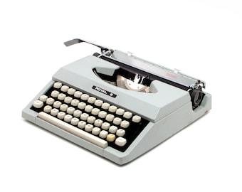 Restored typewriter, Royal Signet