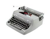 Working typewriter, Royal...