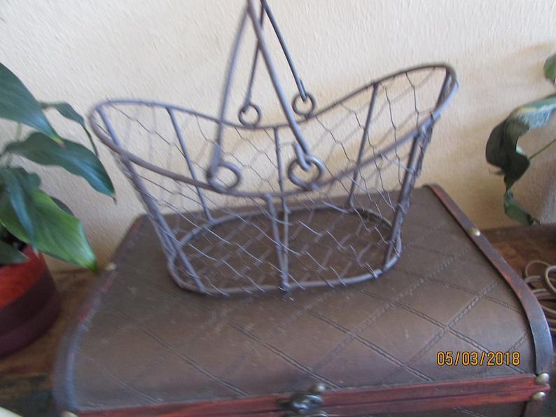 rustic chicken wire flower girl basket can add ribbon