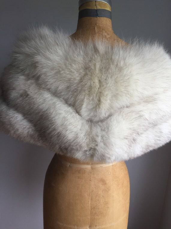 White/ Grey Fox Vintage Capelet - image 3