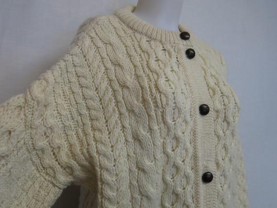 GREEN Knit CARDIGAN Sweater Wool Cardigan Hand Knit Cardigan Boyfriend Sweater Frog Closure Short Waist Asian Boho Chic Sweater Size Medium