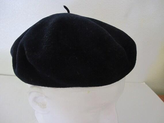 Vintage English Black Beret Kangol Beret Red Wool… - image 3