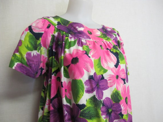 Hawaiian Dress Cotton Floral Caftan 1980s Muumuu