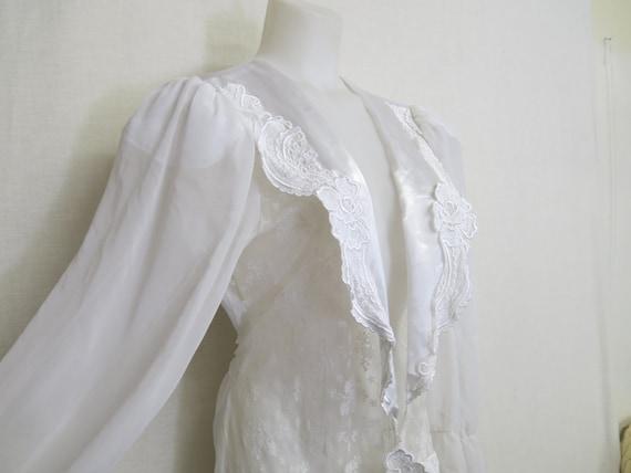 Flora Nikrooz Peignoir White Satin Chiffon Lace