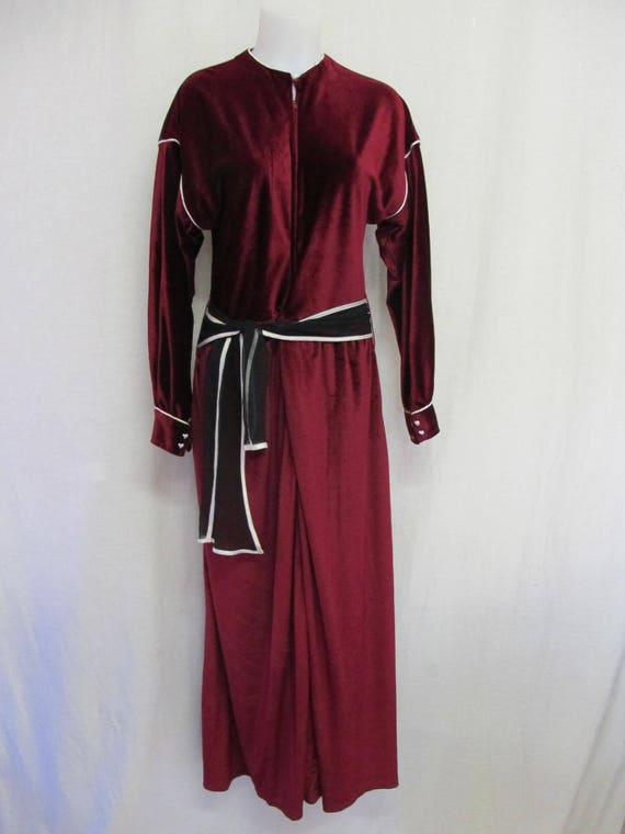 Goth Velvet Dress Full Length Burgundy  Front Zipp
