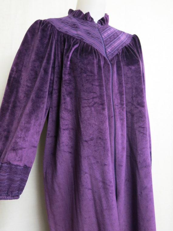 Sold to Masseyna Velvet Robe Plush Robe Robe Loung