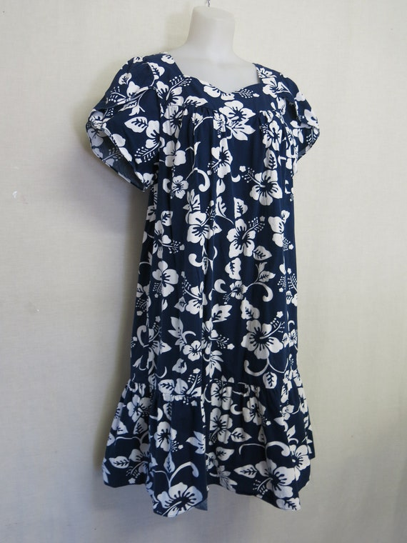 Hawaiian MuuMuu Hawaiian Dress Cotton Floral 1980s
