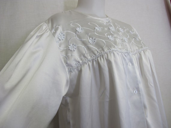 Old Fashioned Nightgown Victorian Style Prairie Wh