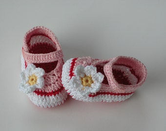 Crochet Baby Shoes / Booties /Crochet Slippers - PATTERN 139 /Daisy / Size 0-12 months /Instant Download( Permission to sell finished items)