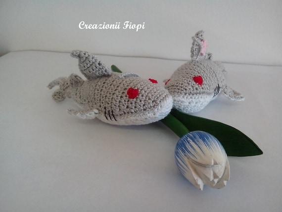 Crochet / amigurumi baby shark keychain / bag accessory, Design ... | 427x570