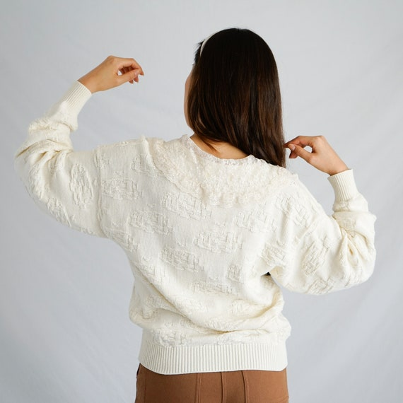 Vintage Lace Collar Sweater - image 3