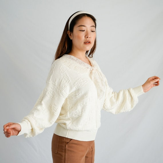 Vintage Lace Collar Sweater - image 7