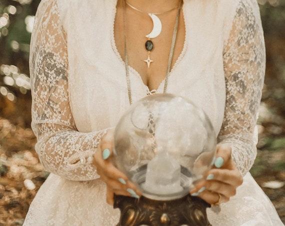 Mayari Goddess Moon Choker Necklace with Labradorite and Gold Star / Bridal Line