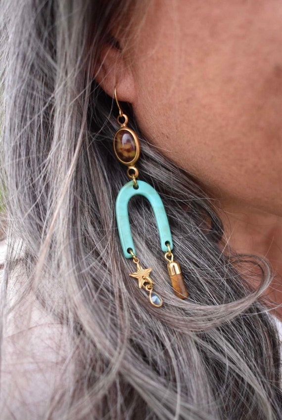 Horae Earrings with Crystals