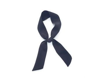 black mini skinny scarf in silk