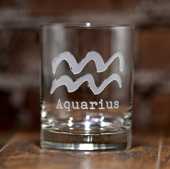 Set of 2 Zodiac Sign Engraved Crystal Whiskey Rocks Glass