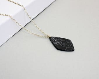 Black marble gold plated necklace drop-