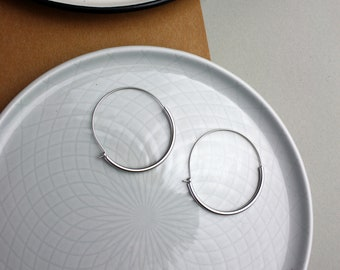 Design minimal-silver-plated earrings hoops