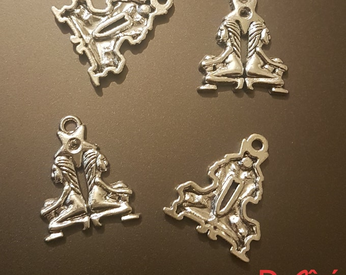 Pack of 20 Silver Colour Gemini Twin Charms. Zodiac, Astrology and Star Sign Pendants. 24mm x 20mm