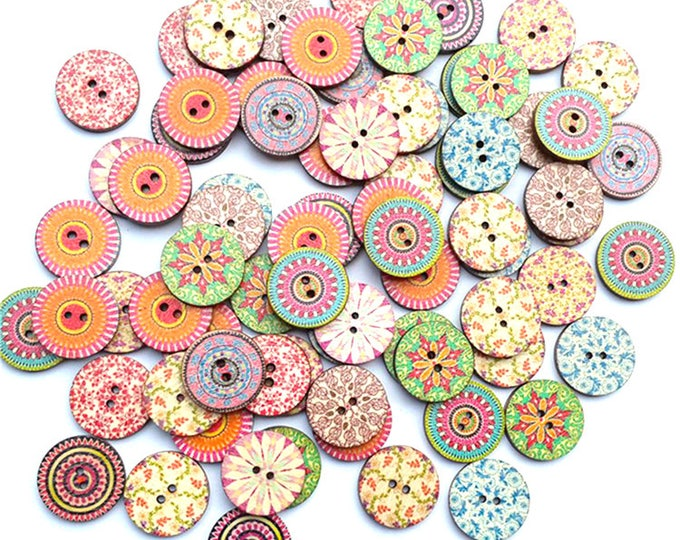 Pack of 50 Assorted Mix of Wooden Round Pattern and Floral Buttons. 2cm Wood Funky Discs for Crafts