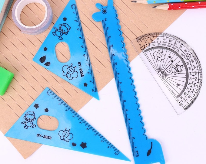 Pack of 4 Plastic Children's Rulers. Different Colours. Animal Theme School and Office Stationery Tools
